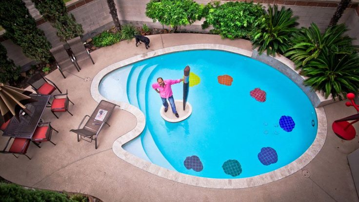Yüzme Havuzu ve Güneşlenme Terasları